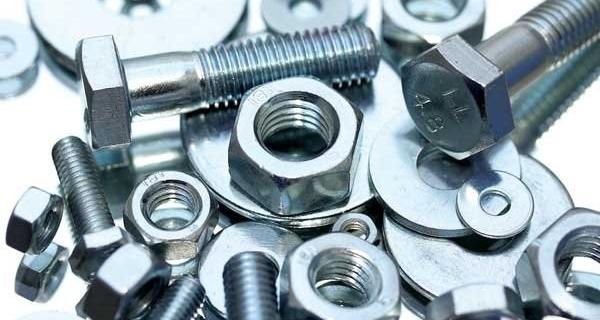 Different types of commonly used material for nuts and bolts. Image